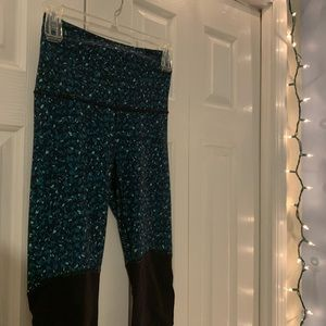 Lululemon Half Green/ Half Black Yoga Pants